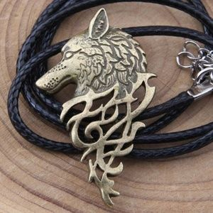 Jewelry - Viking Celtic Wolf Head Pendant bronze on necklace